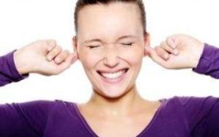 Звенит в левом или правом ухе: причины и как избавиться