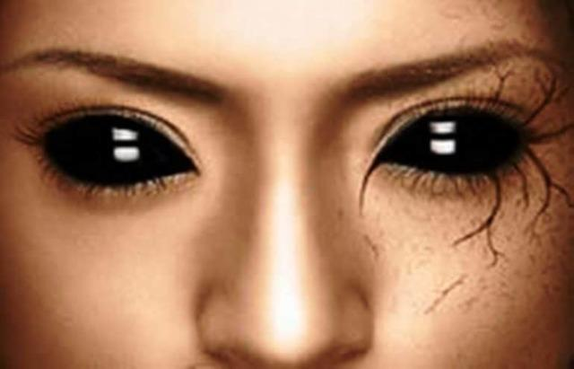 Черные линзы на весь глаз - как правильно выбрать и надеть
