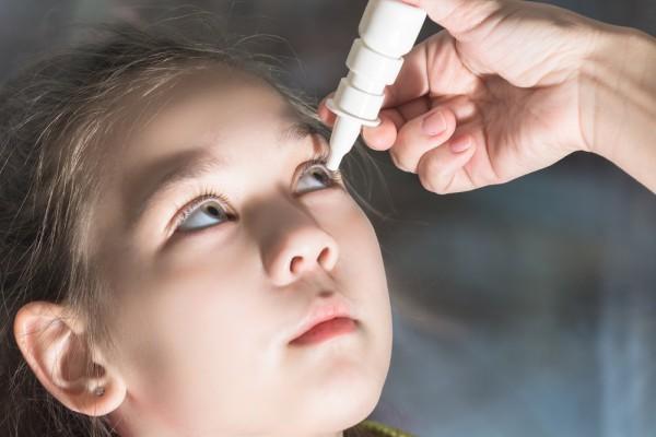 Мирамистин при конъюнктивите у детей - когда и как применять?