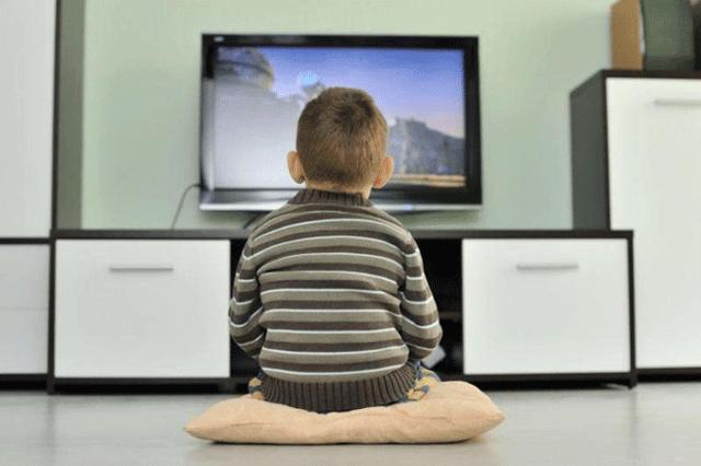 Влияние телевизора и компьютера на глаза ребенка - возможные проблемы и что с ними делать