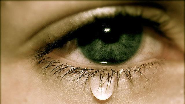 Причины, патологии, лечение слезоточивости глаз