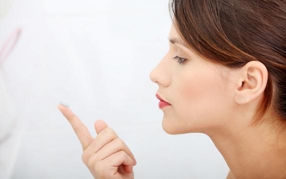 Узнайте как правильно ухаживать за линзами