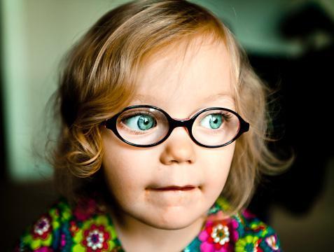 Детские очки для зрения: как выбрать, виды оправ и линз