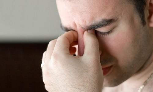 Узнайте причины болей в глазах
