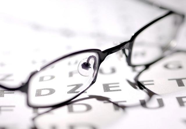 Как восстановить зрение при близорукости - в домашних условиях и в больнице