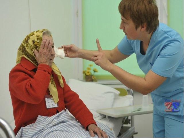 Лечение катаракты у пожилых людей - от народов способов до операции