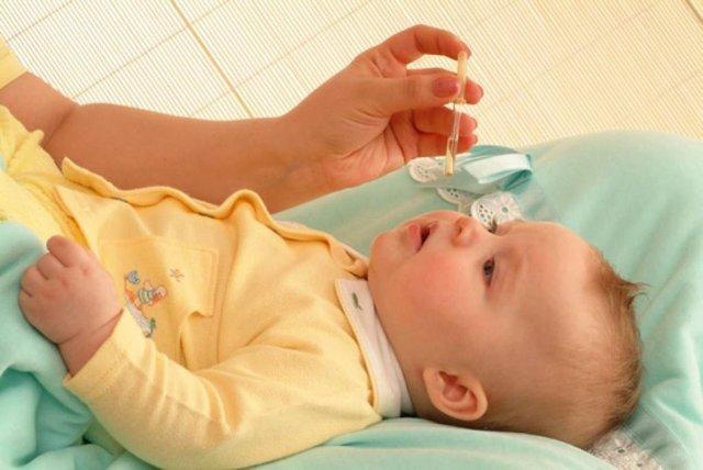 Массаж слезного канала у новорожденных: зачем и как он проводится?