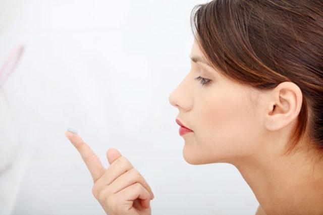 История появления контактных линз