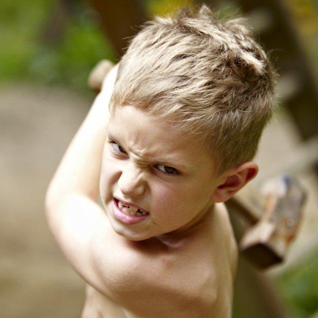 Близорукость у детей школьного возраста лечение: причины и лечение