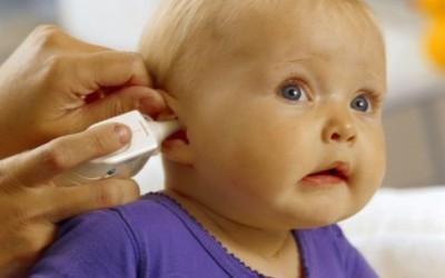 Как промыть уши в домашних условиях от серных пробок