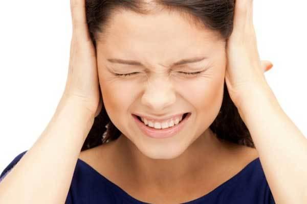 Шум в ушах и голове: лечение народными средствами