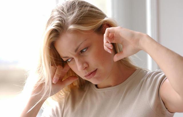 Во время тренировки закладывает уши: причины