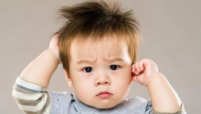 Хлюпает в ухе при глотании: возможные причины