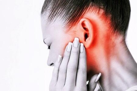 Свист в ушах: причины и лечение