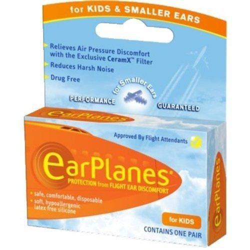Почему в самолете закладывает уши и что делать?