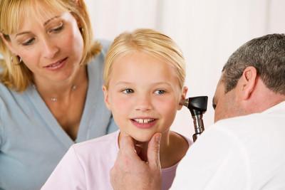Отит у взрослых: симптомы и признаки воспаления уха