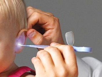 Красное ухо у ребенка снаружи: причины покраснения