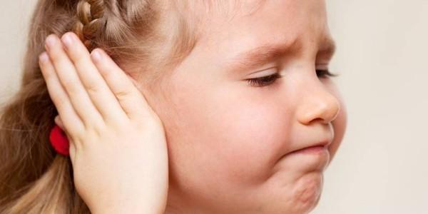 Ушные капли при отите у детей: что закапать ребенку?