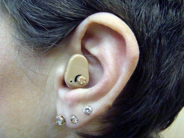 Как выбрать слуховой аппарат: виды и рекомендации