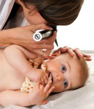 Как правильно чистить уши ребенку: что нужно знать