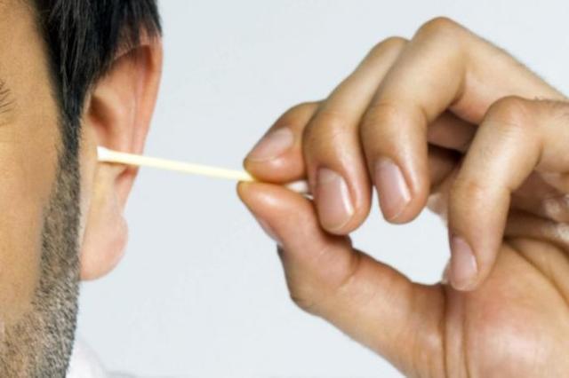 Как правильно чистить уши: рекомендации врачей