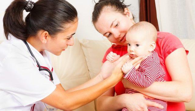 Трещины за ушами у ребенка: чем лечить